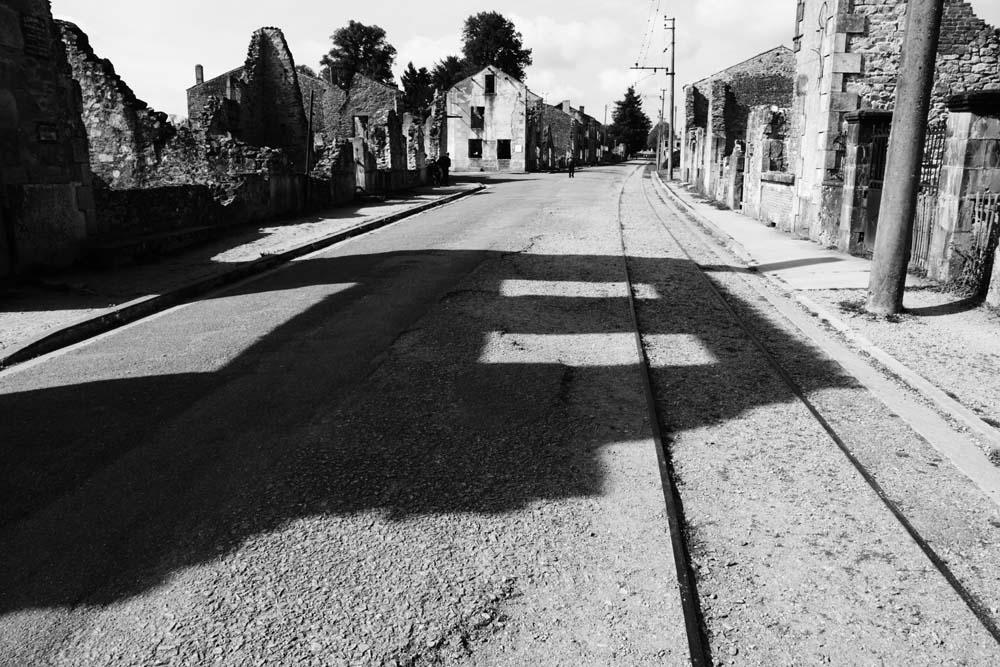 オラドゥール=シュル=グラヌの線路の写真