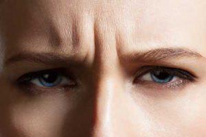 眼瞼けいれんの表情