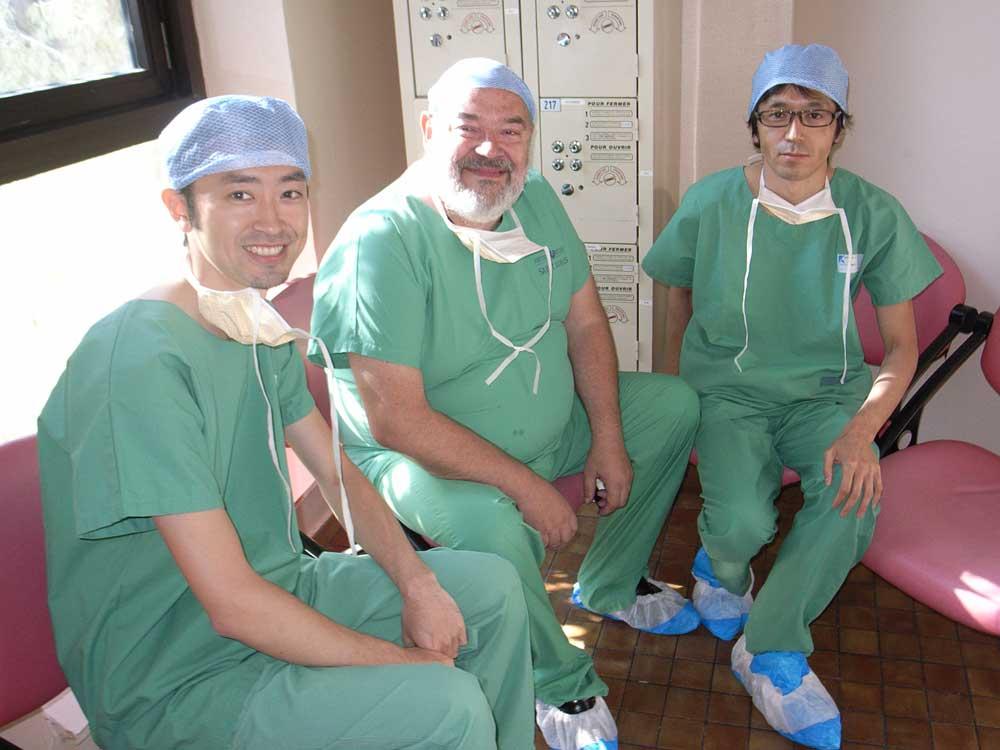 金沢(左)とセルバン先生(中央)と横山才也先生